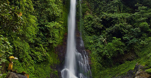 Путешествие в Индонезию. Тур в Индонезию, Поход по Индонезии. Вулканы Индонезии. Бали. Водопад Гит Гит